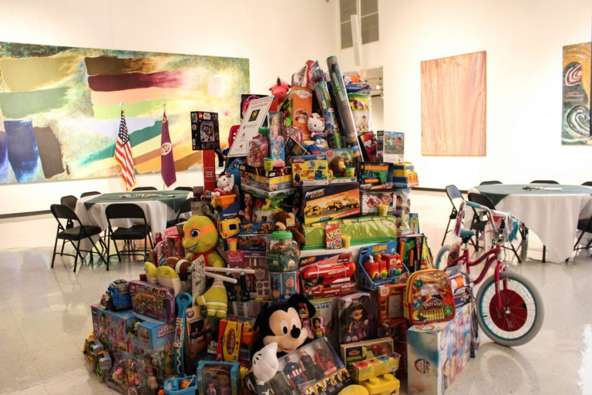 The Second Annual Niagara Law Center Holiday Party And Toy Drive Cle Held Each Year At Castellani Art Museum Of University