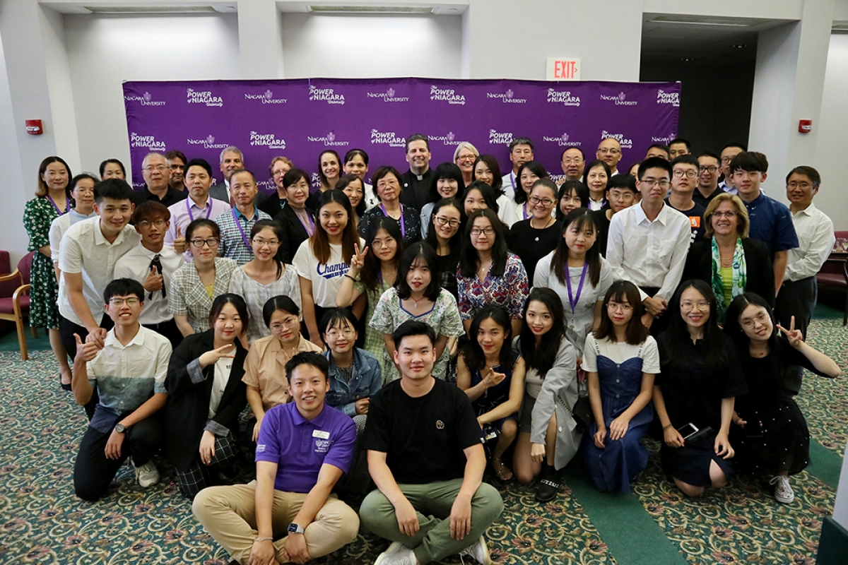 U S  Immersion Experience Gives Chinese Faculty and Students