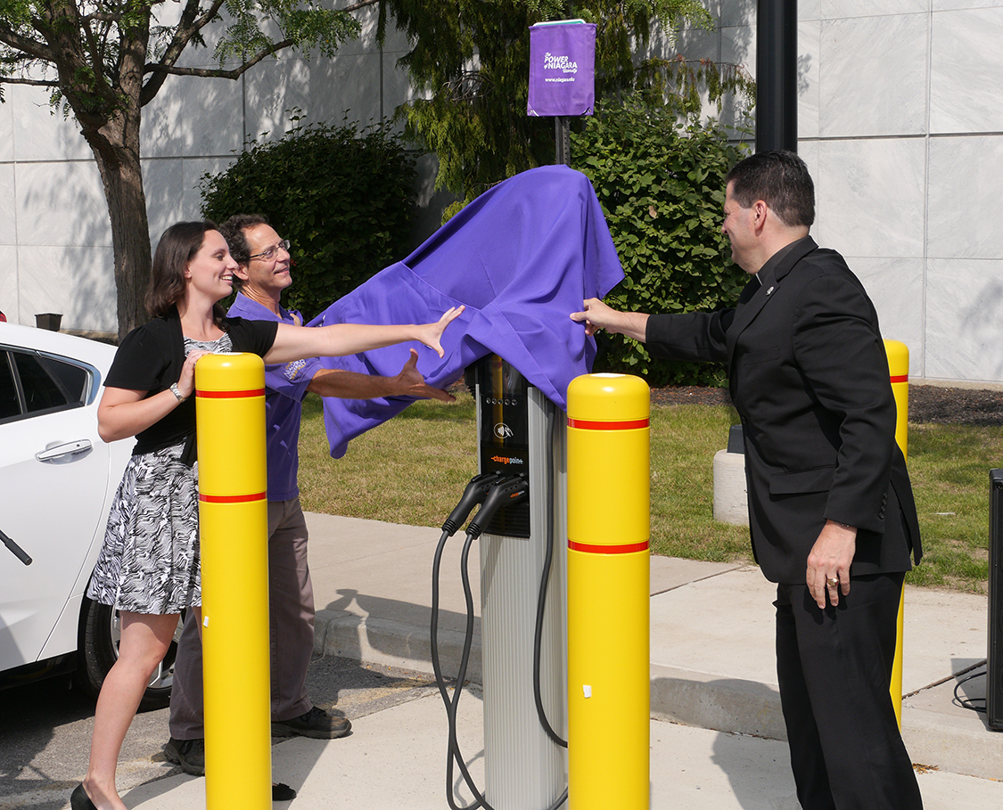 Niagara University Unveils Electric Car Charging Stations