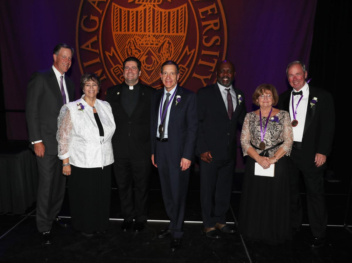 New york niagara county niagara university - Pictured At Niagara University S 2016 President S Dinner Are From Left Jeffrey R Holzschuh Chair Of Nu S Board Of Trustees Robyn L Krueger
