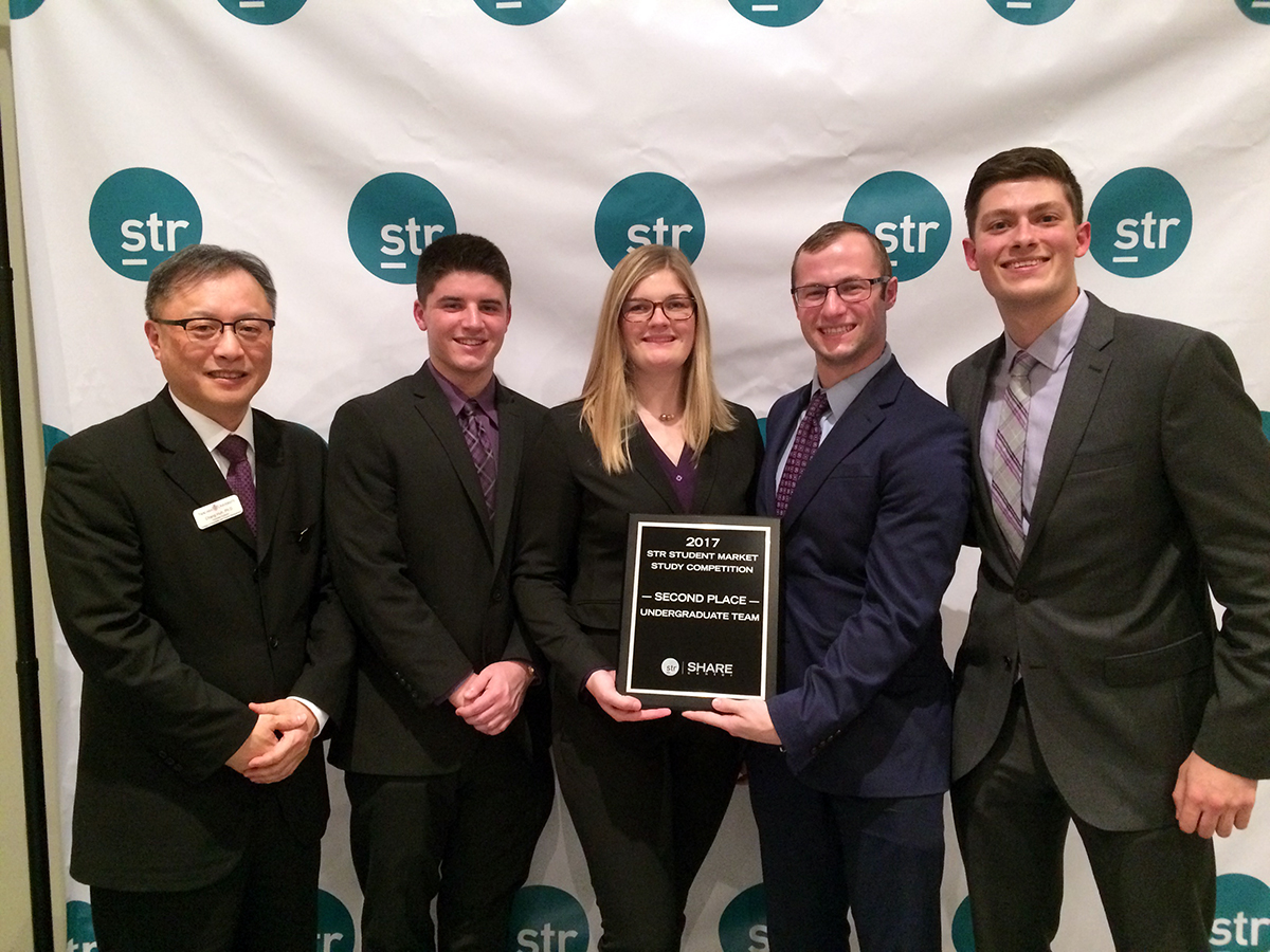 Niagara University Students Take Second at Smith Travel Research Competition